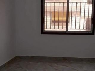 شقة زاوية للبيع في حمص اطلالة على شارع الخضري