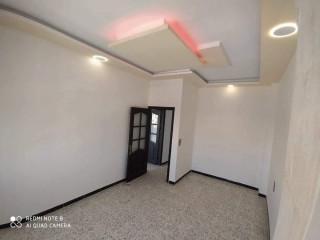 شقة للبيع في حمص - اتستراد باب الدريب الرئيسي