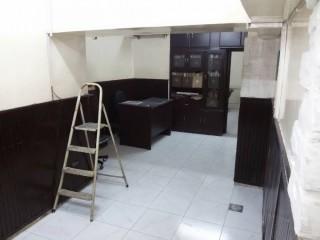 للبيع مكتب تجاري ببرج دمشق ( سوق الموبايل )